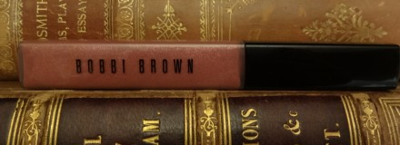 Bobbi Brown High Shimmer Lip Gloss in Naked Plum